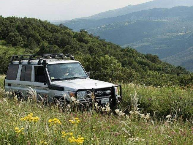Off-road tours in Armenia