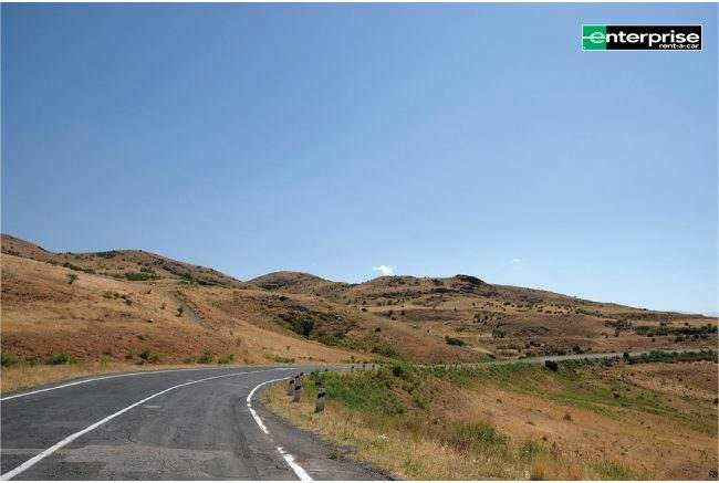 traveling-by-car-is-a-great-way-to-explore-armenia